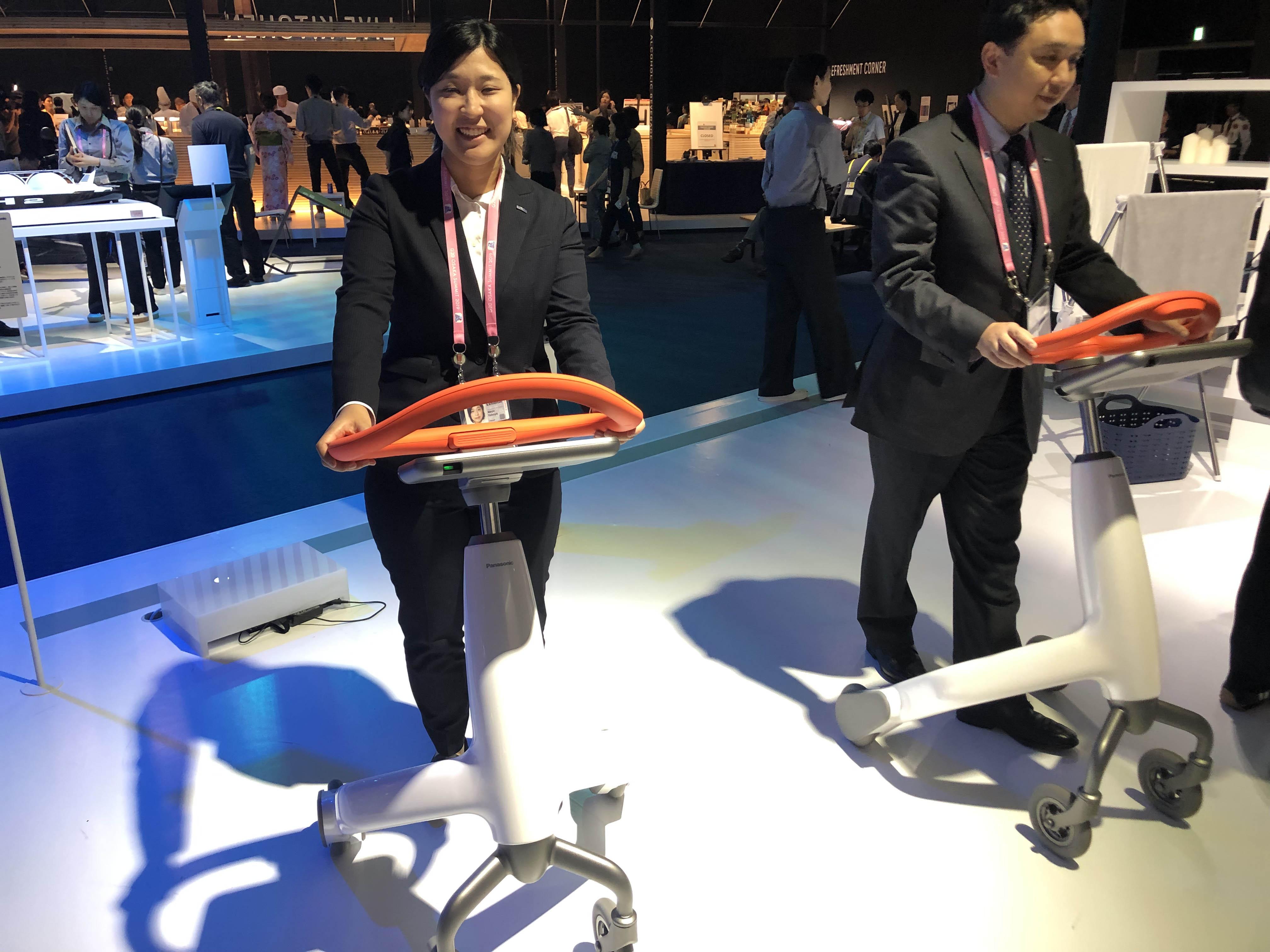 步行训练机器人