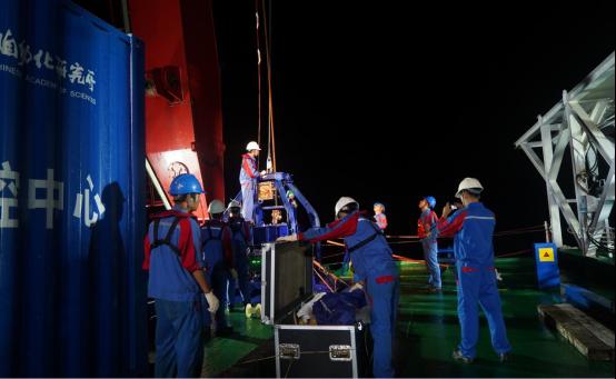我国深海工程地质原位测试装置海上试验取得成功