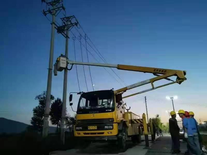 青海开展中压发电车双机并网作业,提升供电能力