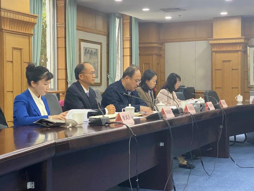 上海浦东集聚全产业链航运企业超万家,实现集装箱